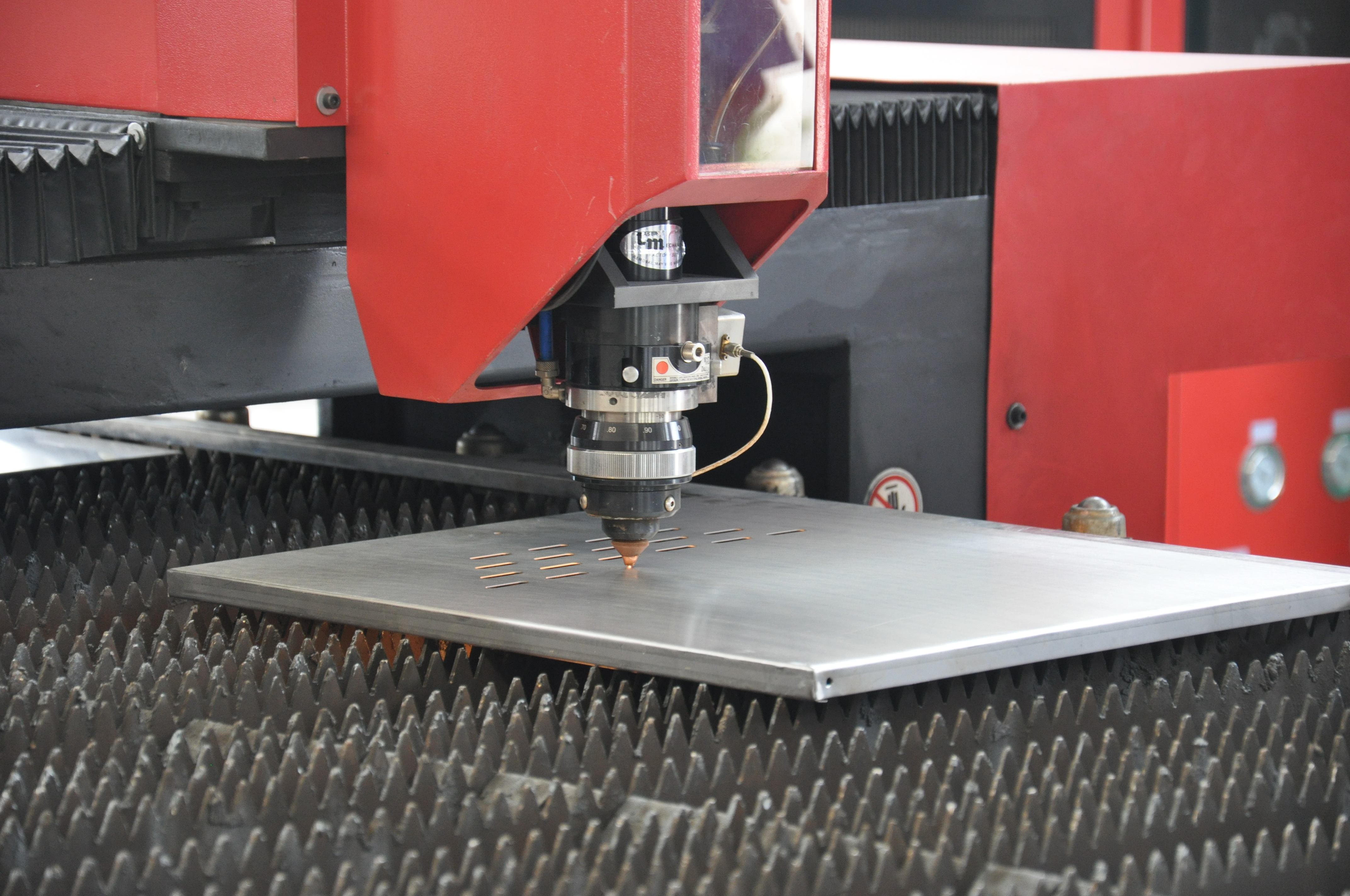 Principle and application of laser cutting Part.two
