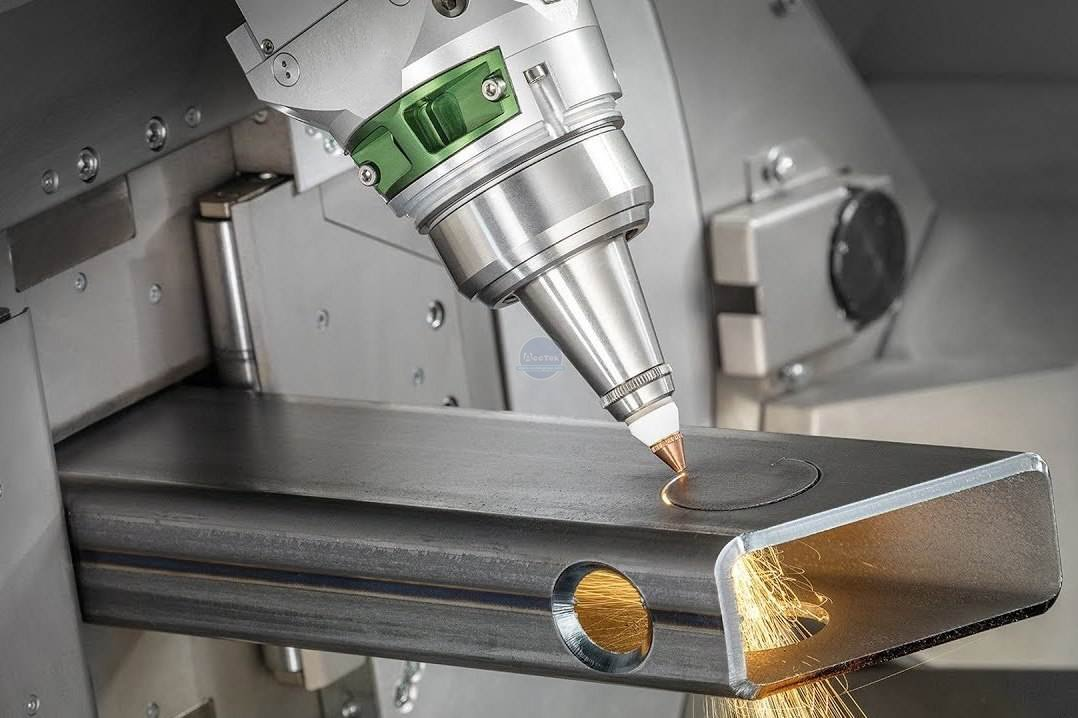 Development and advantages of laser cutting