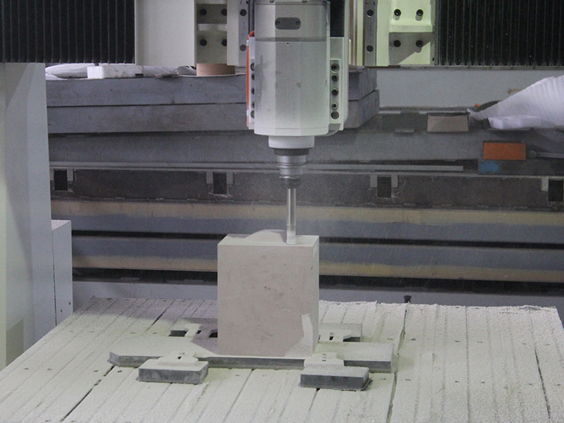 What are the advantages of a five-axis cnc router