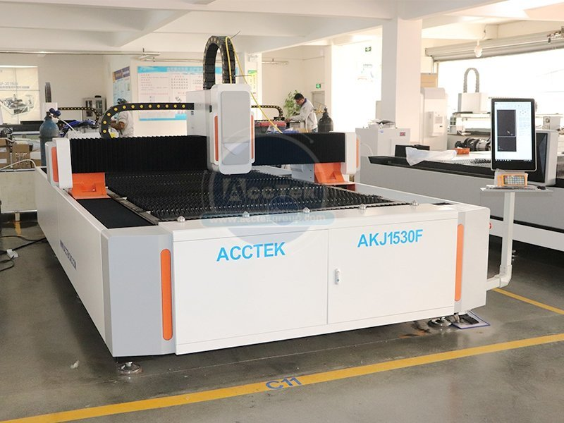 What is the standard operating procedure for laser cutting machine
