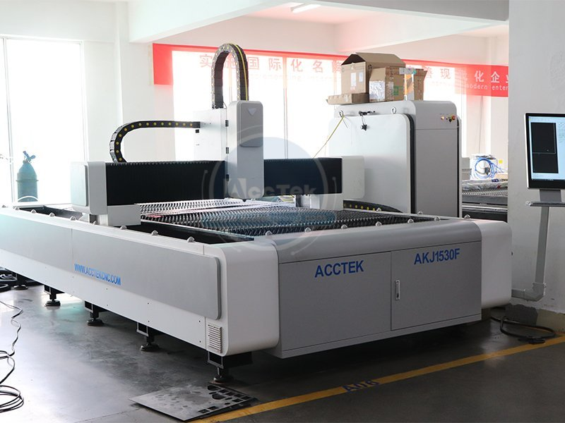 What are the advantages of optical fiber laser cutting machine in pipe cutting