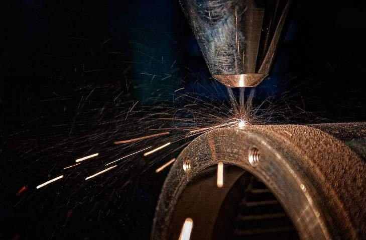 Composition and process analysis of optical fiber laser cladding