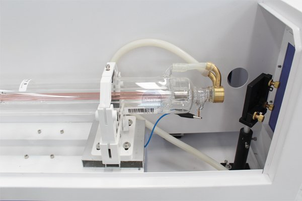 Instructions for the use and installation of laser tubes