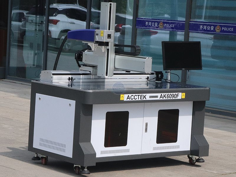 What should we pay attention to when we use fiber laser marking machine