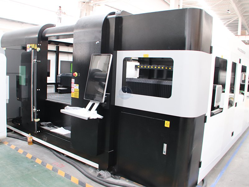 Why machinery manufacturers choose fiber laser cutting machine first