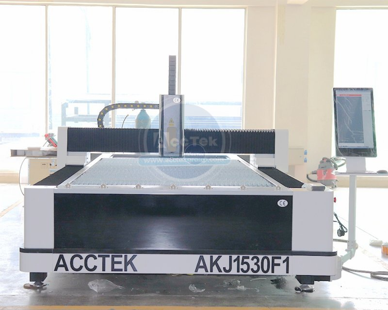 <b>Cost-effective fiber laser cutting machine AKJ1530F1</b>