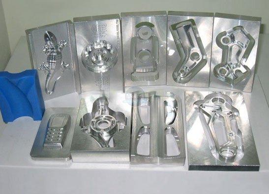 Стандартный фрезерный станок по металлу