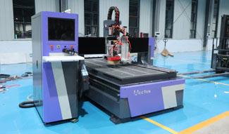 4×8 High-efficiency ATC CNC Router machine in Costa Rica