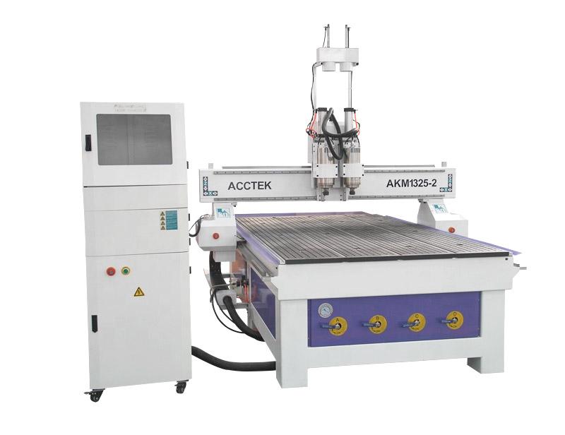 Machine de routage CNC à têtes doubles à haut rendement travaillant le bois