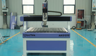 Advertising CNC router machine shipping to Italy
