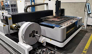 Fiber laser cutting machine with rotary axis for metal in Poland
