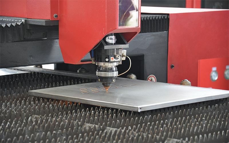 Daily maintenance and repair of laser head