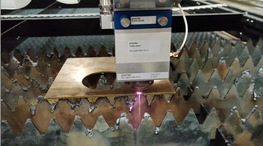La solution au phénomène de surchauffe du traitement des machines de découpe laser